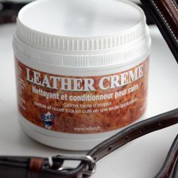 Créme nettoyante et nourrissante pour cuir